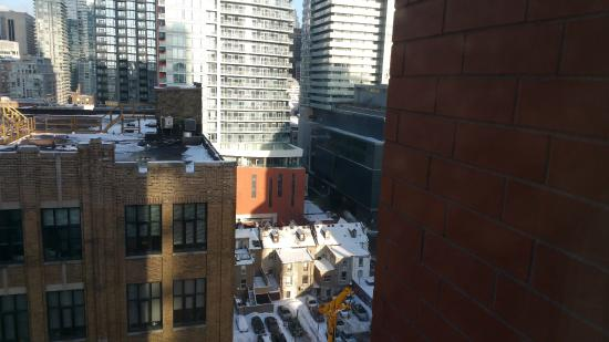 King jacuzzi room with fireplace picture of hilton - Hilton garden inn downtown toronto ...