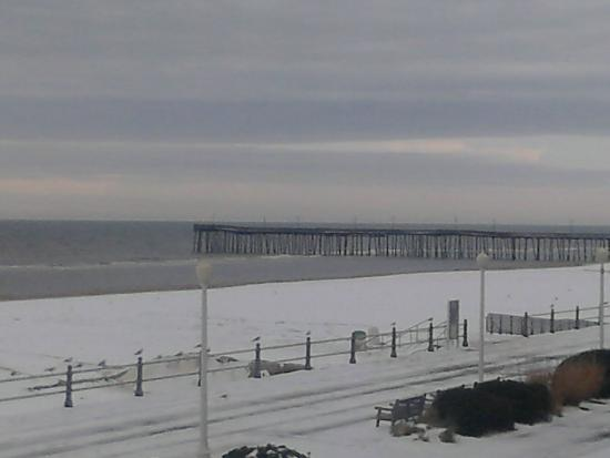 Winter view of beach picture of country inn suites by for Affordable pools virginia beach