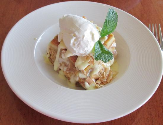 Bread pudding topped with white chocolate macadamia nuts for White chocolate macadamia nut ice cream