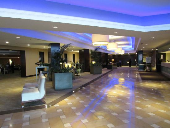 Lobby Picture Of Hilton St Louis Airport Berkeley Tripadvisor