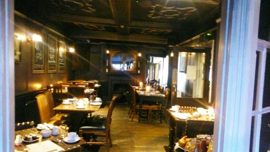 AMBIENT DINING ROOM Picture of Guy Fawkes Inn York  : ambient dining room from tripadvisor.co.uk size 550 x 309 jpeg 32kB