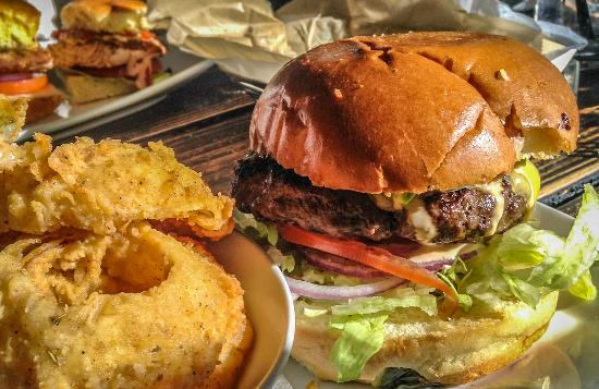 Ladera Ranch, CA: Build Your Own Burger and Onion Rings