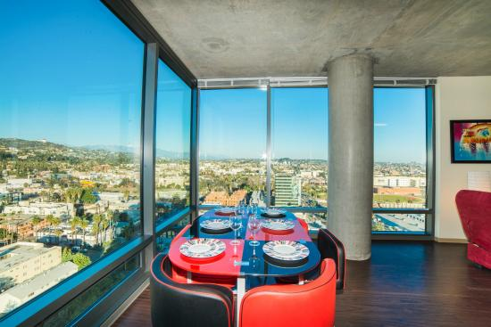 Hollywood Panorama Suites