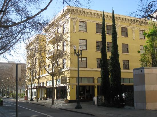 The Four Points is in downtown San Jose, across Plaza de Cesar Chavez from The Tech Museum and San Jose Museum of Art. The hotel is three blocks west of San Jose State University. If you're driving from Norman Y. Mineta San Jose International Airport, the hotel is four-and-a-half miles southeast.