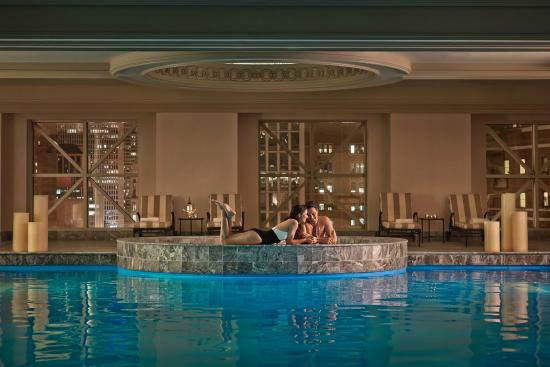 Skylight pool picture of four seasons hotel chicago for Nice hotels in chicago