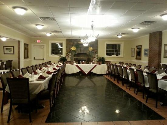 Party room picture of pellicci 39 s restaurant stamford for Fish restaurant stamford