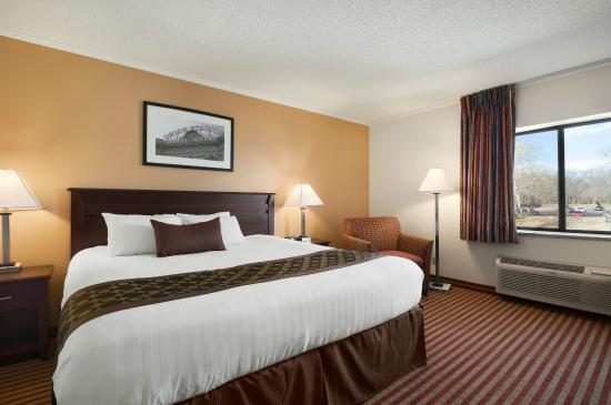 Photo of Baymont Inn & Suites Kansas City South
