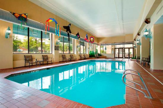 Embassy Suites Greensboro - Airport
