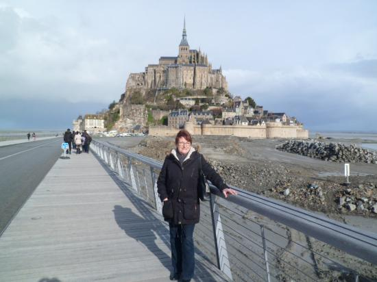 le mont vu du parking picture of fortifications du mont michel mont st michel tripadvisor