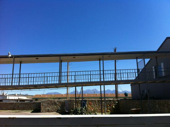 Americas Best Value Inn: VIEW OF LAS CRUCES MTNS - ALL LAS CRUCES HAS TO OFFER