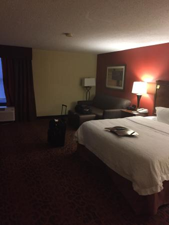 Hampton Inn - Colonnade: View of Room