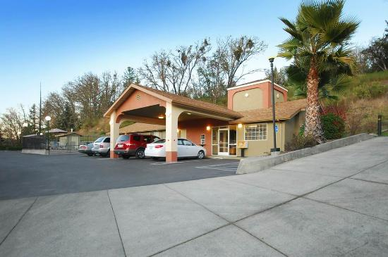 Photo of Best Western Willits Inn