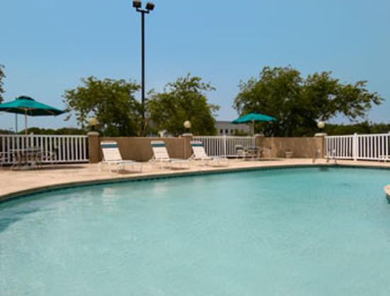 Photo of Baymont Inn & Suites Tulsa