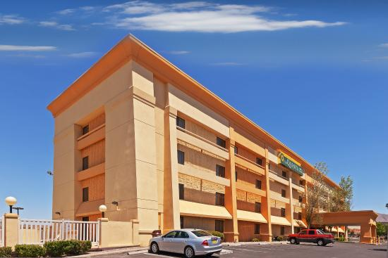 Photo of La Quinta Inn & Suites El Paso Bartlett