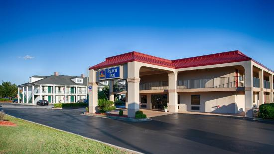 BEST WESTERN Peach Inn