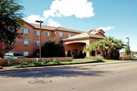 Photo of Comfort Inn & Suites Tucson