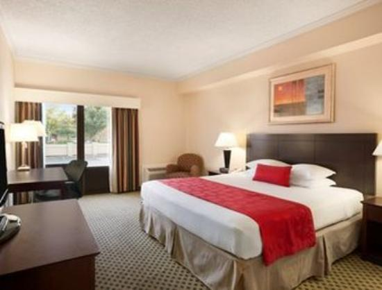Ramada Newark/Wilmington