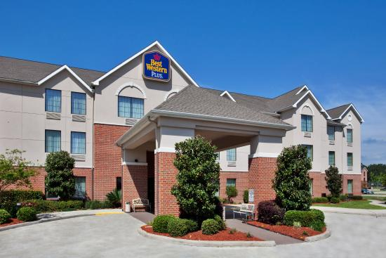 Photo of BEST WESTERN PLUS Executive Hotel & Suites Sulphur