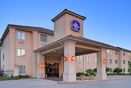 Photo of BEST WESTERN PLUS Crown Colony Inn & Suites Lufkin