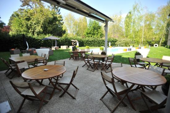 Craponne France  city pictures gallery : Craponne, France: Hotel Patio