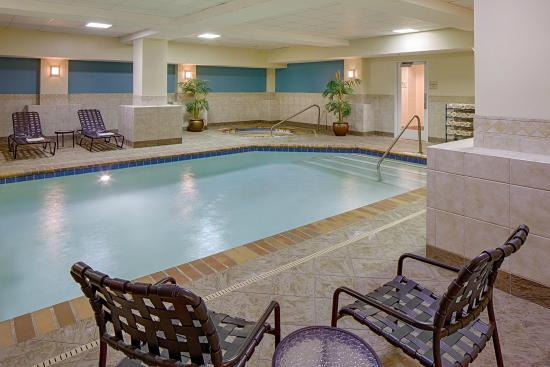 Indoor pool picture of hilton garden inn jackson for Pool design jackson ms
