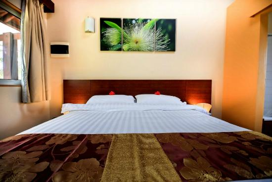 Chambre de luxe lit king size 180 x 200 picture of for Lit de luxe hotel
