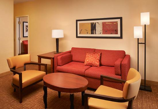 Photo of Courtyard by Marriott Toledo Airport Holland