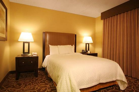 Embassy Suites Pittsburgh - International Airport