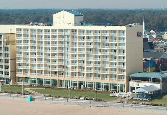 Fairfield Inn & Suites Virginia Beach Oceanfront Photo