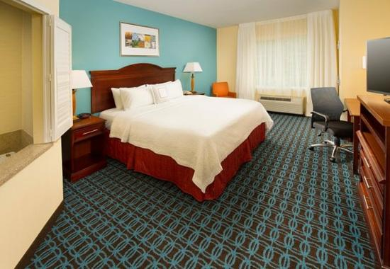 Fairfield Inn & Suites Waco North