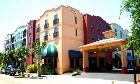 Hampton Inn and Suites Amelia Island – Historic Harbor Front Photo