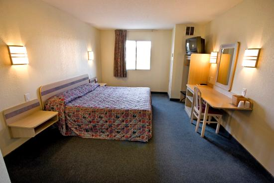 Americas Best Value Inn-Clarksville