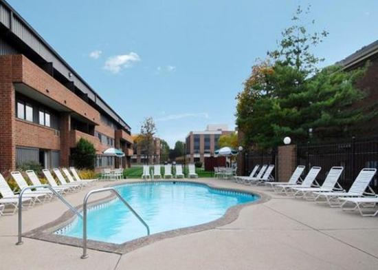 Photo of Comfort Inn & Suites N at Pyramids Indianapolis