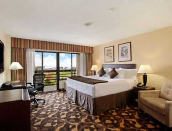 Ramada Englewood Hotel And Suites
