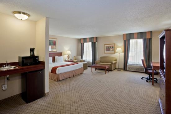 Holiday Inn Express Dodge City