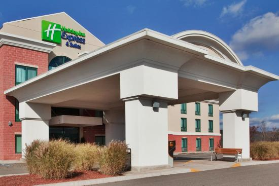 Holiday Inn Express Hotel & Suites Drums-Hazelton: Hotel Exterior
