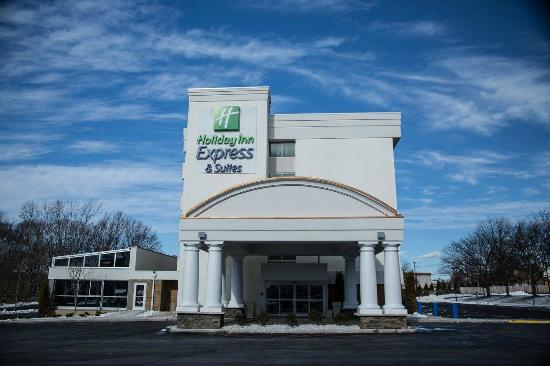 ‪Holiday Inn Express and Suites Milford‬