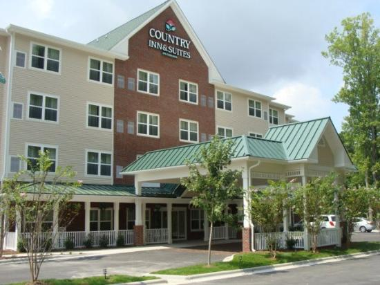 Country Inn & Suites Wilmington Airport