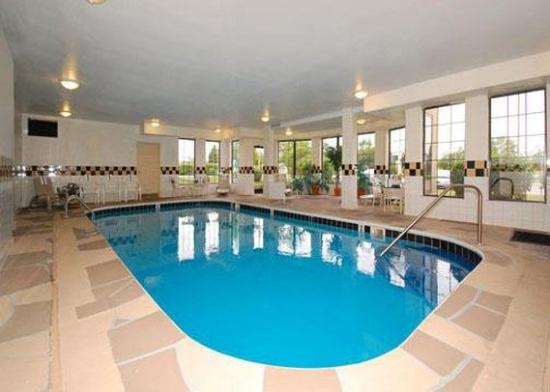 South Holland, IL: Pool