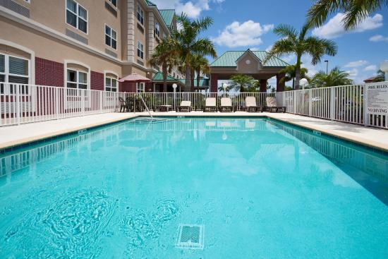 ‪Country Inn & Suites By Carlson, Bradenton at I-75, FL‬