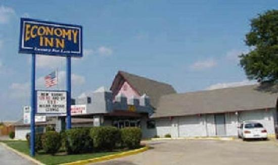 Photo of Economy Inn Ardmore