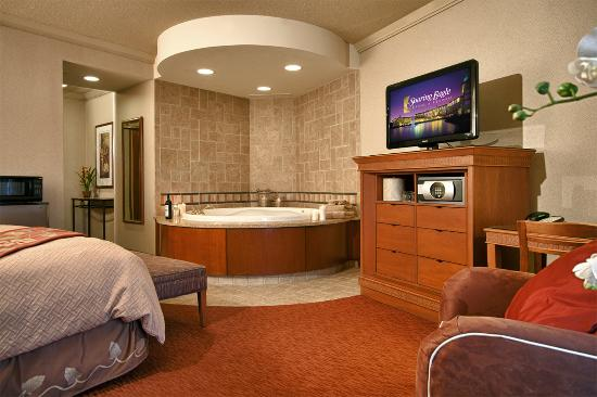 King Room With Whirlpool Picture Of Soaring Eagle Casino