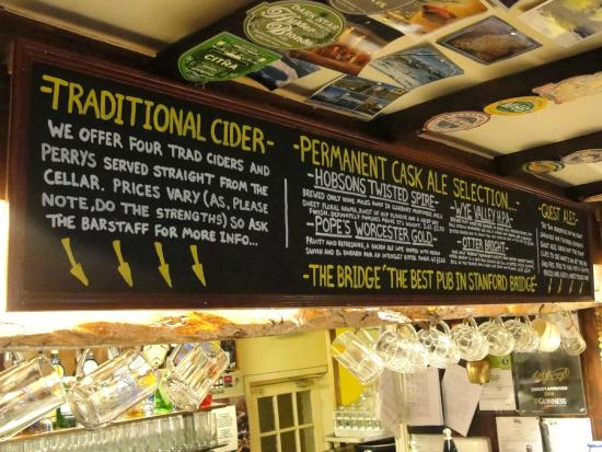 Графство Вустершир, UK: Permanent and guest beers and ciders.