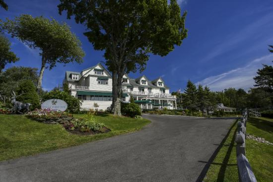 Spruce Point Inn Resort and Spa: Arriving at Spruce Point Inn