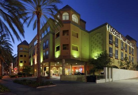 Photo of Desert Palms Hotel & Suites Anaheim