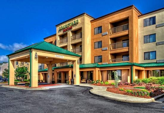 ‪Courtyard by Marriott Burlington‬