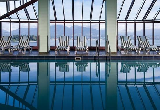 Indoor Pool Picture Of Pinnacle Hotel Vancouver Harbourfront Vancouver Tripadvisor