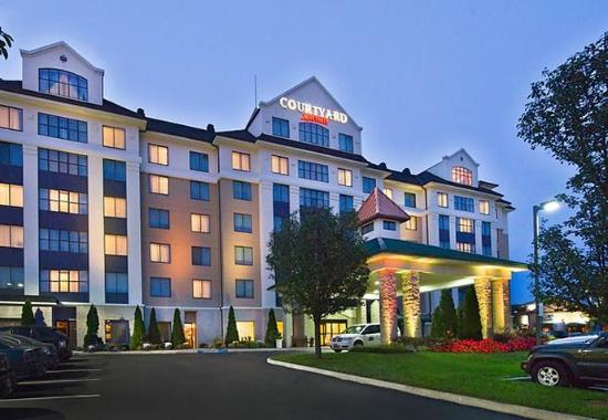‪Courtyard by Marriott Long Island MacArthur Airport‬