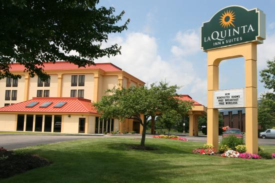 Photo of La Quinta Inn & Suites Canton
