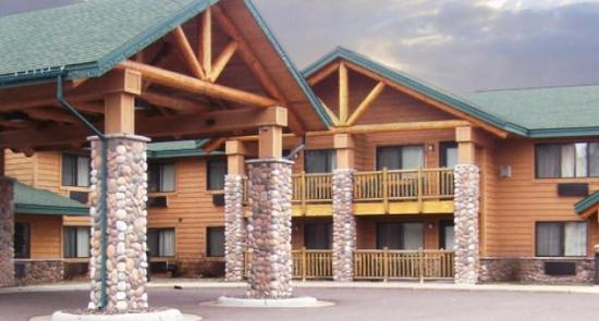 AmeriVu Inn and Suites - Shell Lake